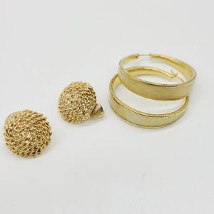 Set of 2 Golden Tones Earrings